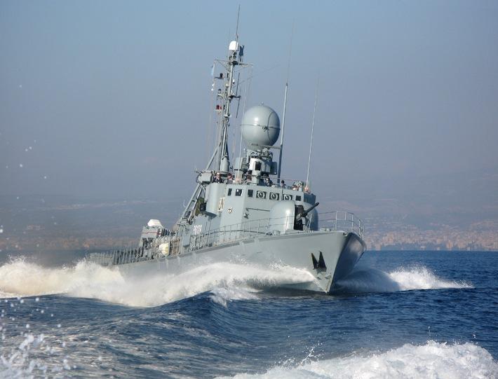 """Schnellboot """"Ozelot"""" in voller Fahrt vor der libanesischen Küste. Foto: Deutsche Marine"""