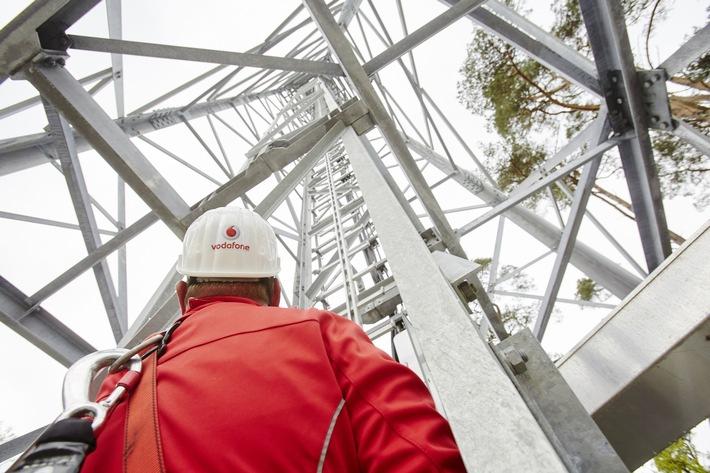 Vodafone nimmt alle 6 Stunden eine neue LTE-Station in Betrieb.