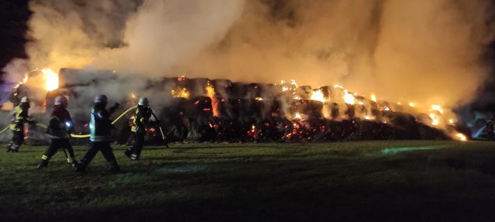 POL-WHV: Pressemeldung der Polizei Varel vom 14.09.2021 Brand von ca. 500 Strohballen in Bockhorn