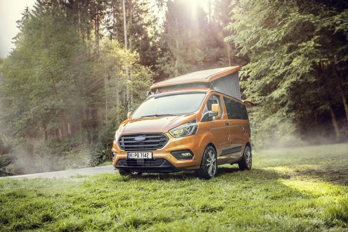 """Ford bietet das erfolgreiche Freizeitmobil Nugget ab diesem Frühjahr über sein Händlernetz auch außerhalb Deutschlands an - zunächst in Belgien, Italien, Österreich und der Schweiz, weitere europäische Märkte sollen noch in diesem Jahr folgen. Seit 1986 hat Ford mehr als 15.000 Nugget verkauft. Damit zählt er längst zu den Klassikern unter den Reisemobilen in Deutschland. Alljährlich kommen derzeit rund 1.200 Nugget-Einheiten neu hinzu, die der Ford Partner Westfalen Mobil GmbH in Rheda-Wiedenbrück (Nordrhein-Westfalen) umbaut. Die aktuelle Nugget-Generation basiert auf der Ende 2017 umfassend überarbeiteten und aufgewerteten Ford Transit Custom-Baureihe. Weiterer Text über ots und www.presseportal.de/nr/6955 / Die Verwendung dieses Bildes ist für redaktionelle Zwecke honorarfrei. Veröffentlichung bitte unter Quellenangabe: """"obs/Ford-Werke GmbH"""""""