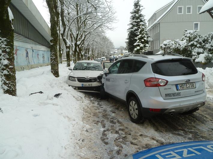 Zusammenstoß mit Gegenverkehr auf der Harzburger Straße