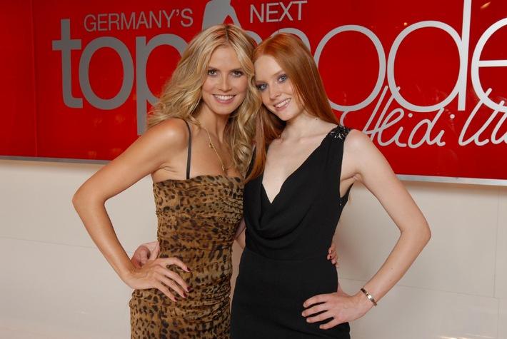 """Rot vor blond und schwarz: Barbara (20) aus Bayern ist """"Germany's next Topmodel - by Heidi Klum"""" 2007"""