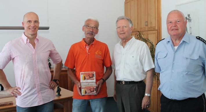 v.l.n.r.: Stefan Rhein, Wolfgang Keil, Polizeipräsident Wolfgang Fromm, Martin Freisberg (Persönlicher Mitarbeiter des PP)