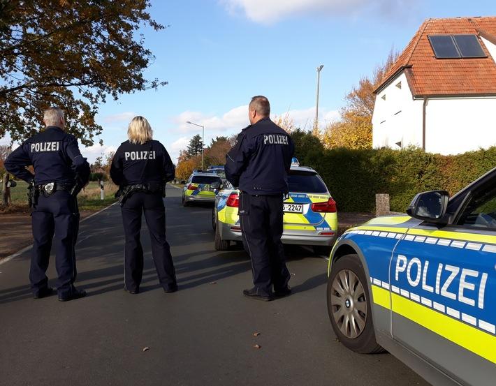 Der Bereich um das Haus des Täters wurde durch die Polizei weiträumig abgesperrt. Foto: Polizei Minden-Lübbecke
