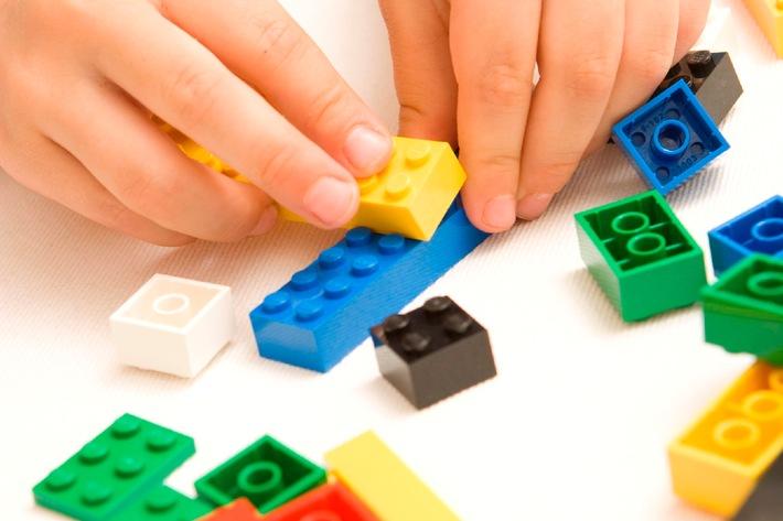 kinder bauen zukunft lego gruppe veranstaltet bauwettbewerb f r kinder aus aller welt. Black Bedroom Furniture Sets. Home Design Ideas