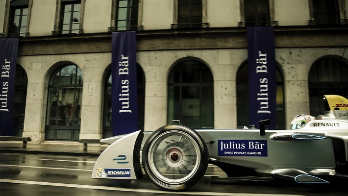Formula E car in the streets of Geneva - Julius Baer promotes sustainable technologies