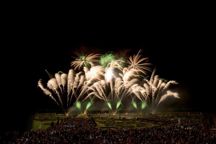 Farbenfrohes Spektakel vor grandioser Kulisse: 24. Internationaler Feuerwerkswettbewerb in Hannover