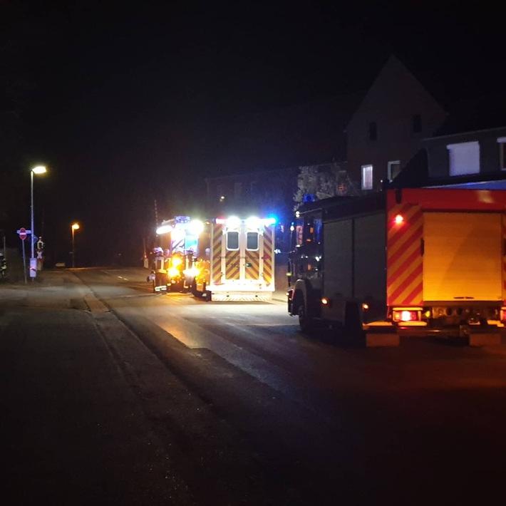FFW Schiffdorf: Gartenabfälle brennen in Wehdel.