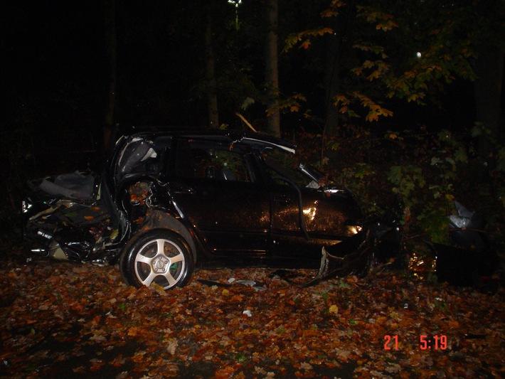 POL-HI: Alkoholisierter PKW-Fahrer bei Unfall schwer verletzt; Nachtrag zur Meldung vom 21.10.2007, 05.11 Uhr