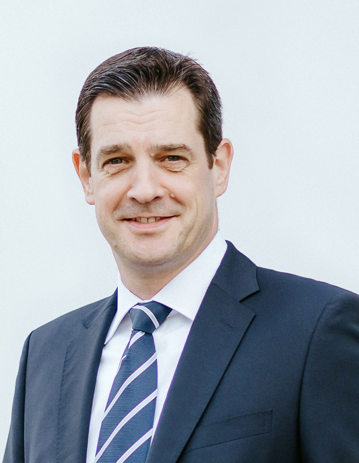 Experian erwirbt Mehrheit an Risk-Management-Einheit der Bertelsmann-Tochter Arvato Financial Solutions / Investition in die Zukunft: Zweitgrößte Kreditauskunftei Deutschlands wird Teil von Experian (FOTO)