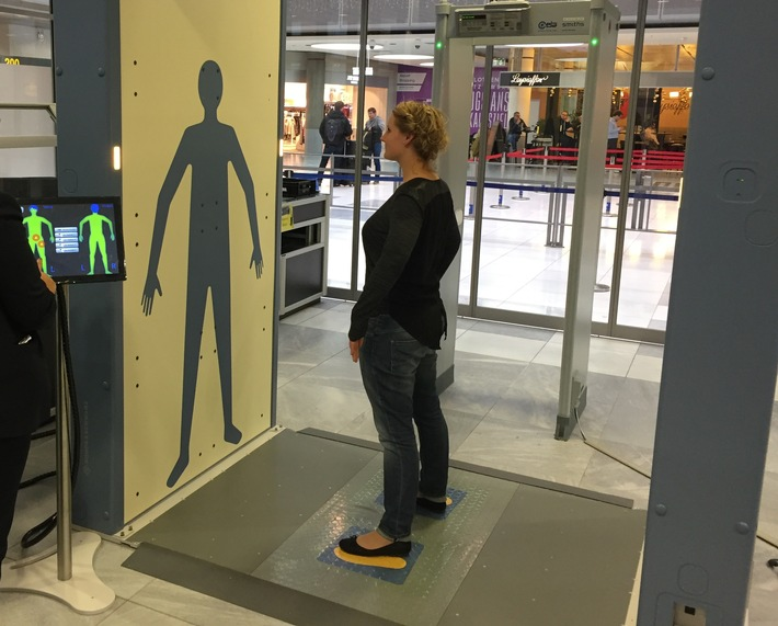 BPOLI-Flugh. STR: Neue Sicherheitsscanner am Flughafen Stuttgart