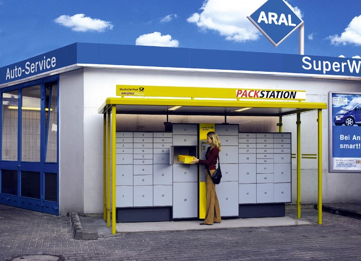 Postpakete rund um die Uhr: Mit dem neuen Service an Aral-Tankstellen ist es möglich. © Aral, 10/2001 Abdruck honorarfrei