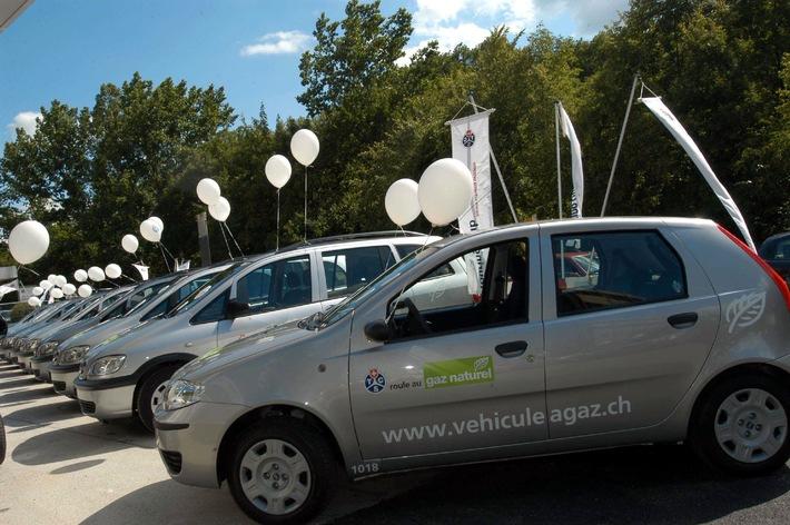 TCS und gasmobil setzen auf Erdgas-Fahrzeuge - Umweltschonende Fahrzeuge im landesweiten Test