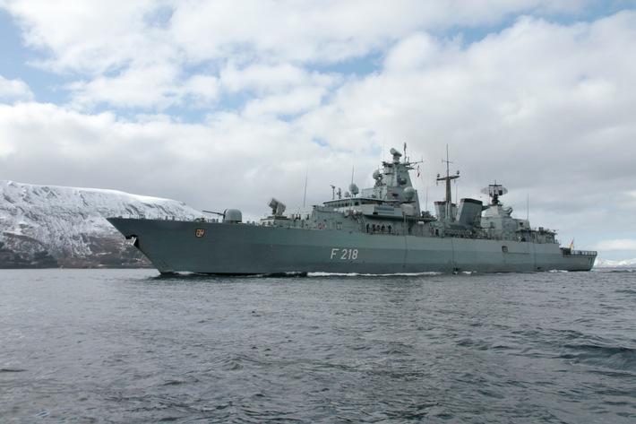 """Fregatte """"Mecklenburg-Vorpommern"""" im Kampf gegen Schleusernetzwerke"""