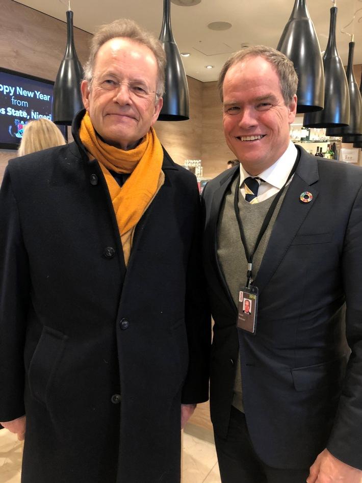 (v.l.) Michael Møller, Genfer UN-Generaldirektor, mit Heidelbergs Oberbürgermeister Prof. Dr. Eckart Würzner beim Weltwirtschaftsforum in Davos. (Bild: Stadt Heidelberg)