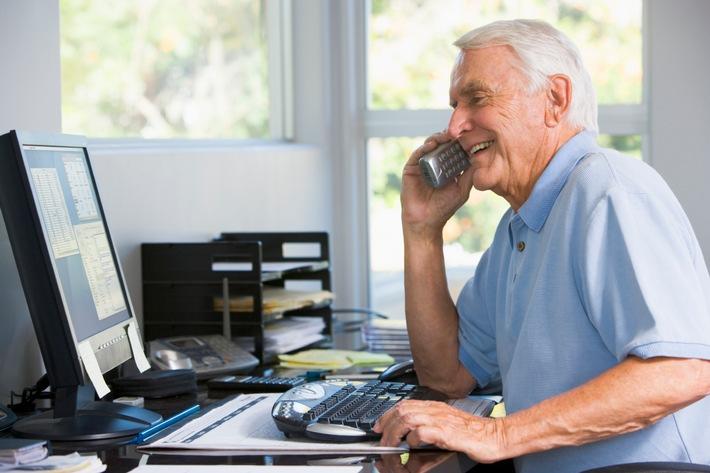 Fachkräfte bis ins hohe Alter halten / Flexirentengesetz und Betriebsrentenstärkungsgesetz für ihren Betrieb nutzen (FOTO)