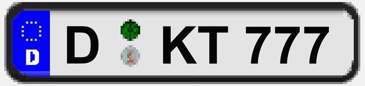 Das Kennzeichen D-KT777 gehört zu dem gestohlenen Fiat Ducato und wurde zusammen mit dem weißen Kleinlastwagen zur internationalen Fahndung ausgeschrieben
