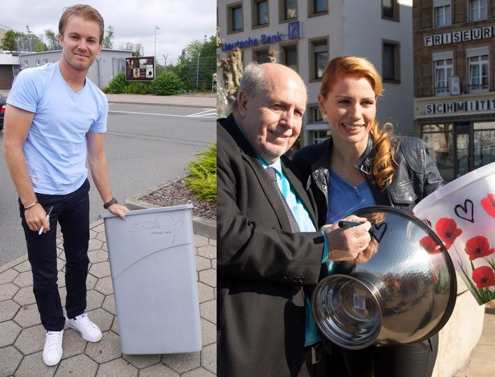 Promis versteigern ihre Ice-Bucket-Challenge-Eimer zugunsten der DGM
