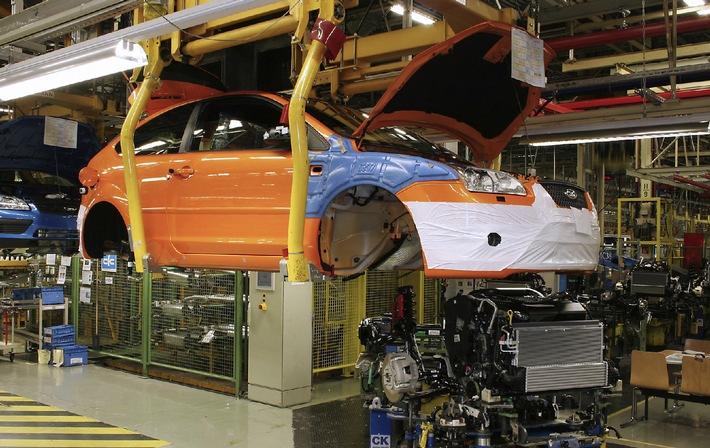 """Ford Focus ST Job 1. Die Verwendung dieses Bildes ist für redaktionelle Zwecke honorarfrei. Abdruck bitte unter Quellenangabe: """"obs/Ford-Werke GmbH"""""""