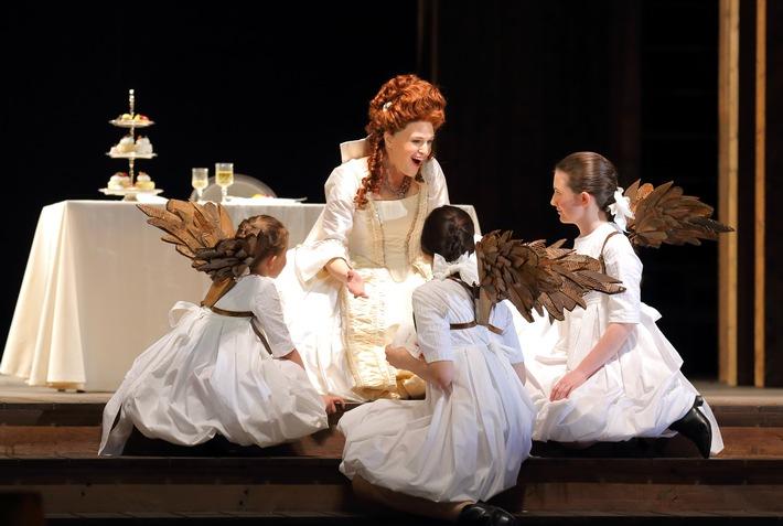 Almira - Königin von Kastilien ist eine Co-Produktion mit der Hamburgischen Staatsoper. Georg Friedrich Händels frühe Oper ist einer der Höhepunkte der Innsbrucker Festwochen der Alten Musik.
