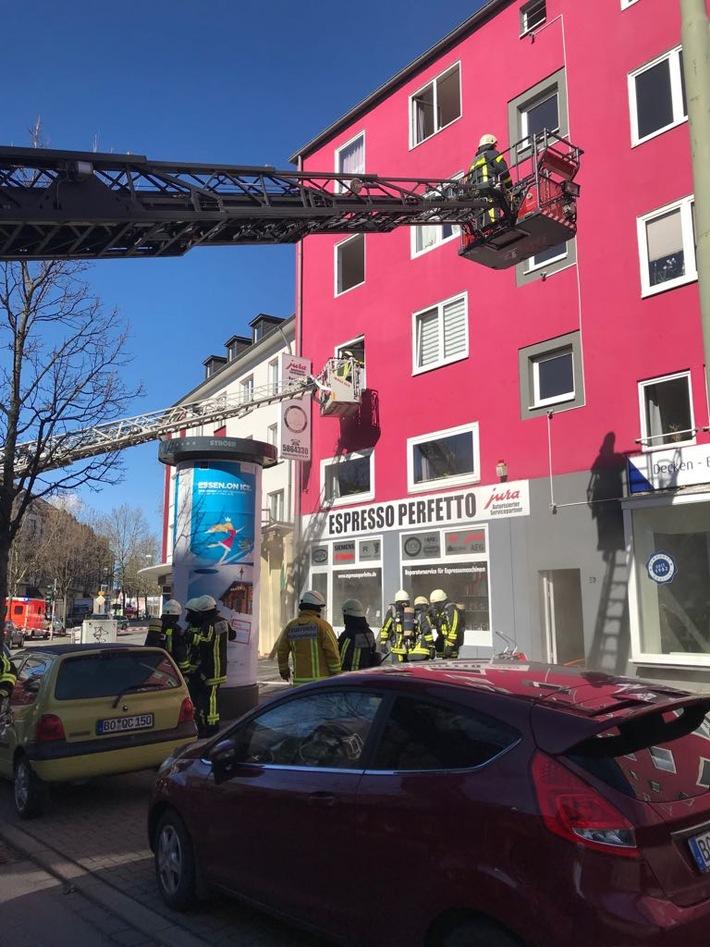 Insgesamt wurden sieben Personen durch den Einsatz von zwei Drehleitern gerettet. Bild: Feuerwehr Bochum