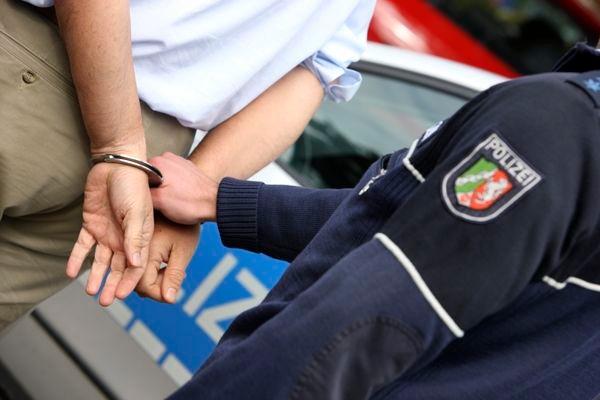 POL-REK: 171211-3: Einbrecher hatte Haftbefehl- Pulheim