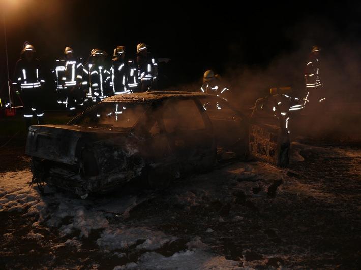 POL-DN: Gestohlenes Auto ausgebrannt