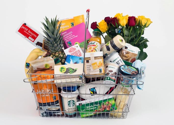 """220 preneurs de licence et 850 partenaires de restauration s'engagent en faveur de Fairtrade et ne cessent d'élargir leur gamme de produits équitables. Ils proposent désormais plus de 2'200 références Fairtrade. Texte complémentaire par ots et sur www.presseportal.ch/fr/pm/100010102 / L'utilisation de cette image est pour des buts redactionnels gratuite. Publication sous indication de source: """"obs/Max Havelaar-Stiftung (Schweiz)/Patrick Gutenberg"""""""