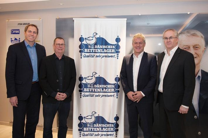 Jens Schwendicke (Marketingleitung DÄNISCHES BETTENLAGER (DBL)), Aage Nielsen (Geschäftsleitung DBL), Dierk Schmäschke (Geschäftsführer SG Flensburg-Handewitt), Ole N. Nielsen (Geschäftsleitung DBL)