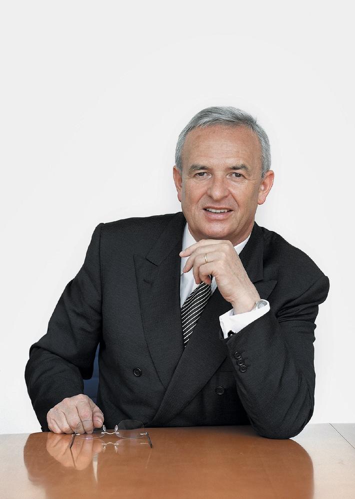 """Der Vorstandsvorsitzende der AUDI AG, Prof. Dr. Martin Winterkorn, erhält den ADAC-Preis """"Gelber Engel"""" 2006. Die Verwendung dieses Bildes ist für redaktionelle Zwecke honorarfrei. Abdruck bitte unter Quellenangabe: """"obs/Audi AG"""""""