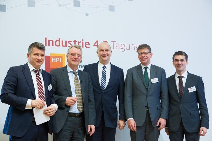 Industrie 4.0: Wirtschaftsministerium fordert Investitionsschub von 10 Milliarden Euro pro Jahr in Breitband-Netzausbau