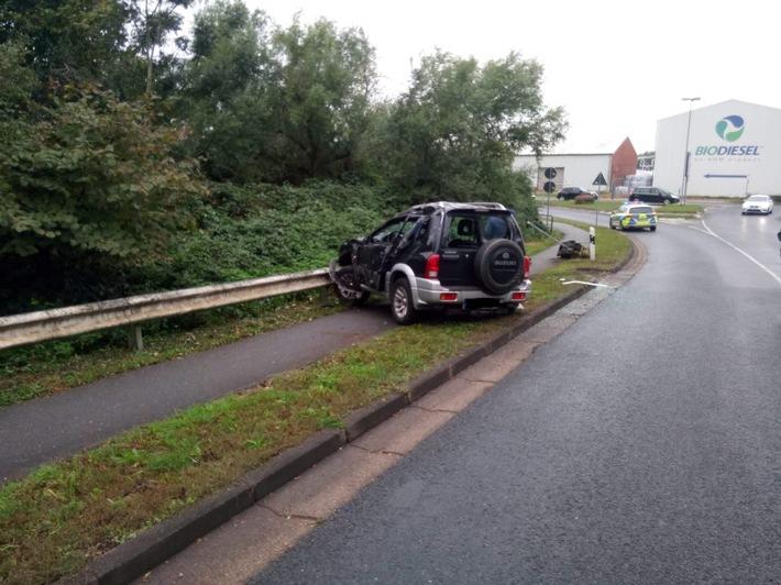 Bildanlage: Verunfallter Pkw auf dem Südring in Leer