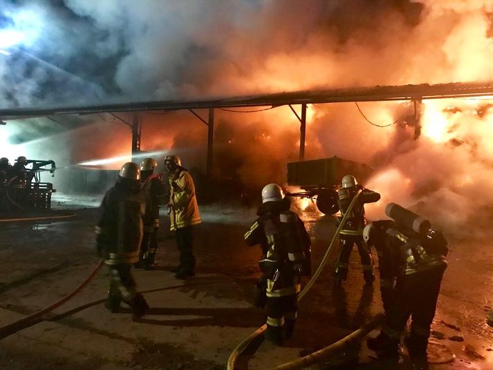FW-BO: Scheunenbrand in Bochum Stiepel - 1. Meldung