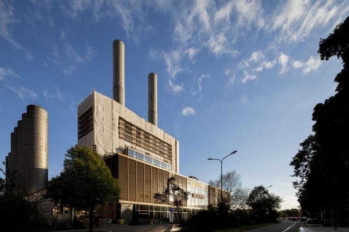 kare kraftwerk in munchen fearless in venice mobelhaus als vorzeigeprojekt auf 15 architekturbiennale