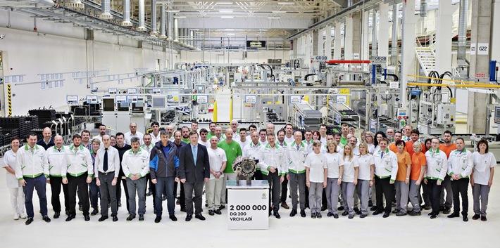 SKODA AUTO fertigt zweimillionstes DQ 200-Doppelkupplungsgetriebe im Werk Vrchlabi