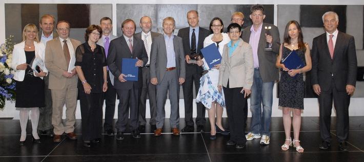 Stiftung RUFZEICHEN GESUNDHEIT! vergibt heute ihren Gesundheits- und Medienpreis 2010