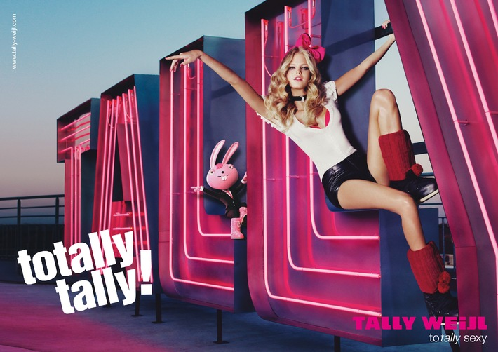 TOTALLY SEXY IN THE CITY! Neon, Glamour & Fun: TALLY WEiJL Herbst-/Winterkampagne 2010 mit Topmodel Erin Heatherton
