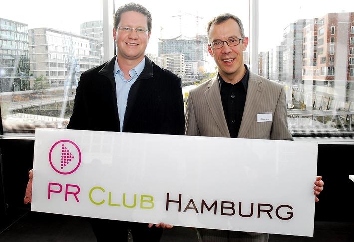 v. l. n. r.: Torsten Panzer (Vorstandsvorsitzender PR Club Hamburg) und  Dr. Christoph Becher (persönlicher Referent des Elbphilharmonie-Intendanten Christoph Lieben-Seutter)