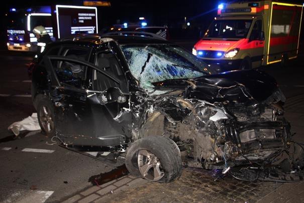 POL-HB: Nr.: 0111 --Schwerer Verkehrsunfall in Bremen-Walle--