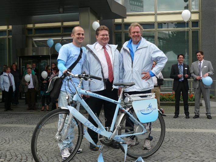 E-Bikes on Tour: Tim ist am Ziel! / RWE Rheinland Westfalen Netz-Mitarbeiter radelte rund 1.200 km auf einem E-Bike (mit Bild)
