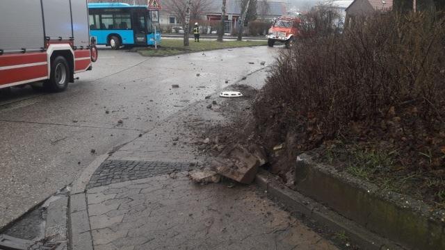 Unfall durch führerlosen Bus