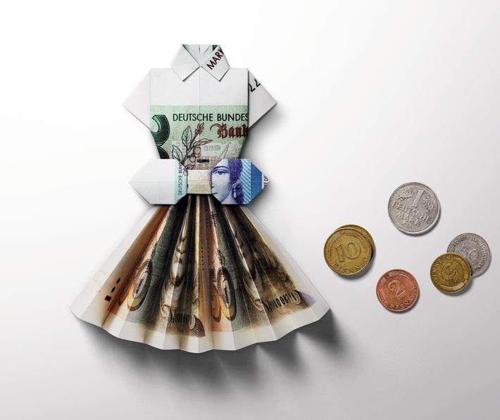 Besonderer Service: C&A sagt wieder Ja zur D-Mark - und zum Euro (FOTO)