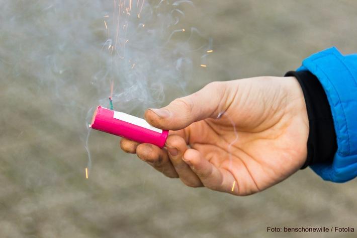 Silvester ohne Handverletzungen / Handchirurgen fordern Umsicht beim Feuerwerk