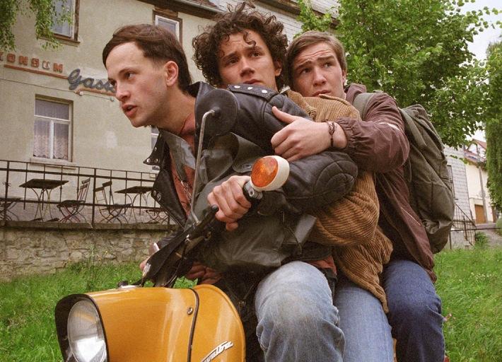 """Cooles Trio: Franz Dinda, Sergej Moya und Frederick Lau in dem ProSieben Zweiteiler """"Go West - Freiheit um jeden Preis"""" (mit Bild)"""