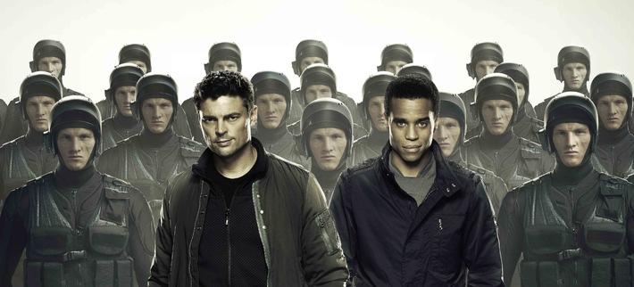 """Cooles Ermittlerduo auf Verbrecherjagd in SAT.1: Start der neuen US-Serie """"Almost Human"""" am 6. Oktober 2014 um 22:15 Uhr"""