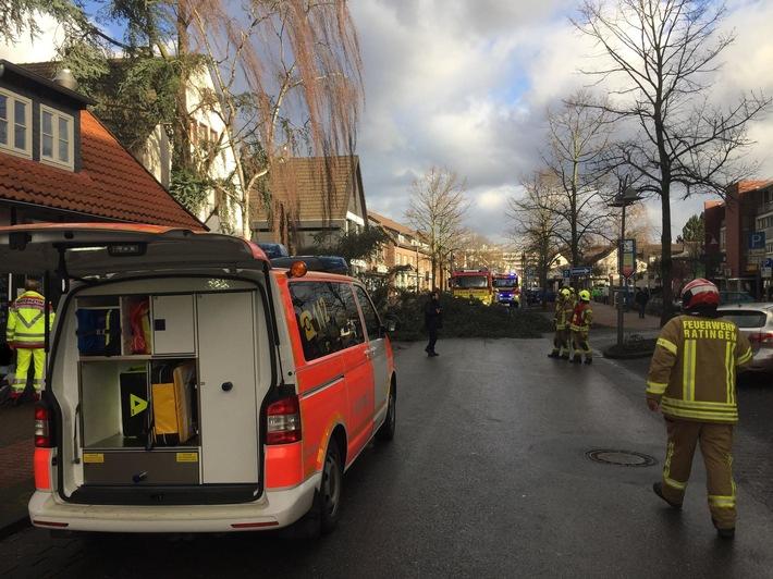 """FW Ratingen: Bilanz der Feuerwehr Ratingen - Sturmtief """"Friederike"""""""