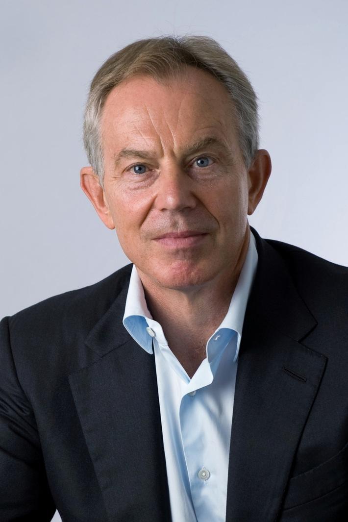 """Langfrist-Lösung für das Armuts- und Flüchtlingsproblem / Bundesminister Dr. Gerd Müller, Tony Blair und Martin A. Schoeller stellen """"Afrika-First""""-Konzept vor - Soziale Marktwirtschaft als Schlüssel (FOTO)"""