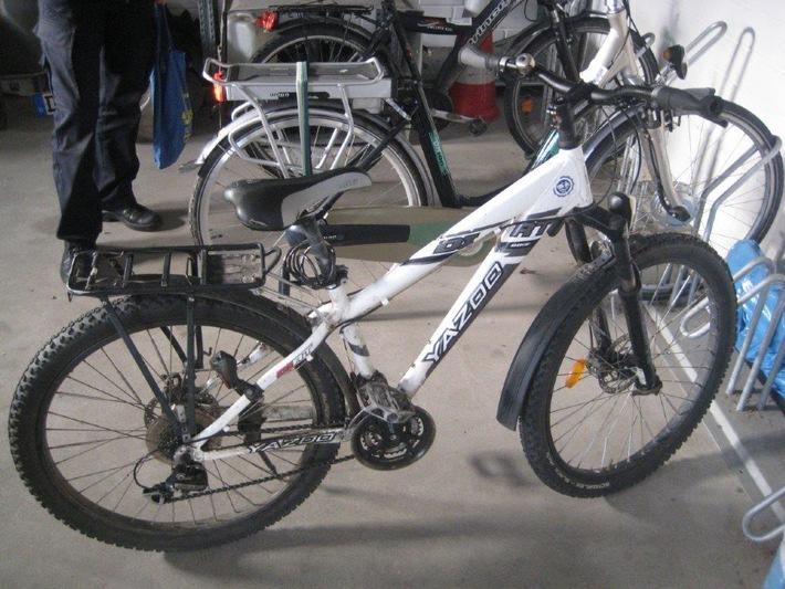 Wem gehört das abgebildete Fahrrad?