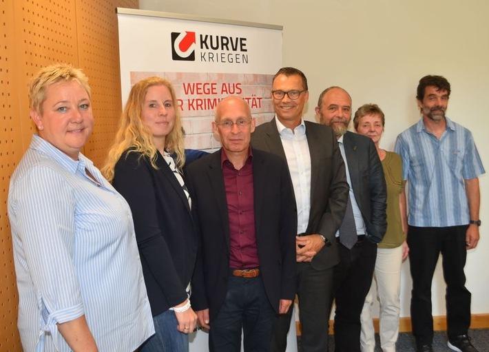 Von links nach rechts: Kirsten Maesch, Karoline Krosse, Dr. Stefan Kühn, Markus Röhrl, Jan Welzel, Barbara Reul-Nocke, Andreas Bredemeier