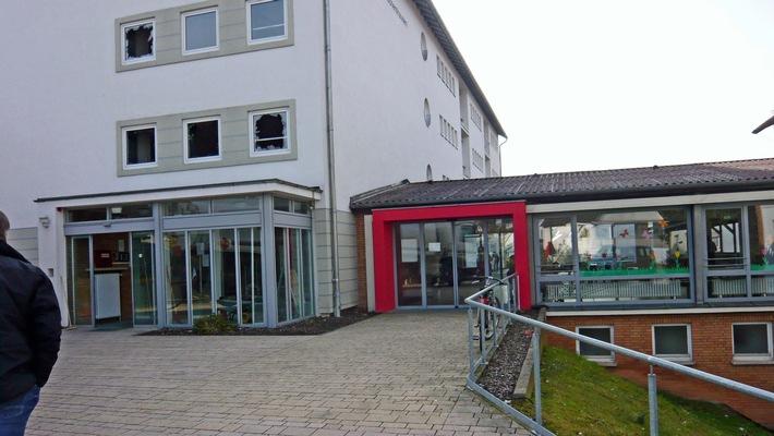 Escherhausen, beschädigtes Zentrum für Migration
